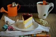 felie de tort cu crema mascarpone, ciocolata si zmeura