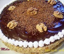 Tort cu mousse de ciocolata si nuci
