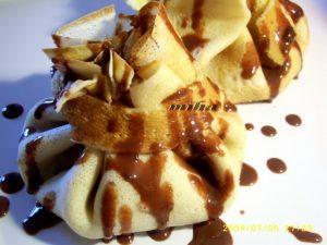 Clatite cu inghetata si ciocolata