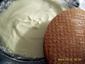 asamblare tort cu crema mascarpone