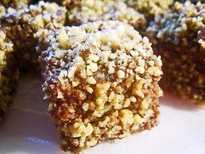 Prajitura Tavalita cu nuca si ciocolata