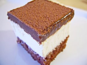 Tort cu ciocolata si crema mascarpone