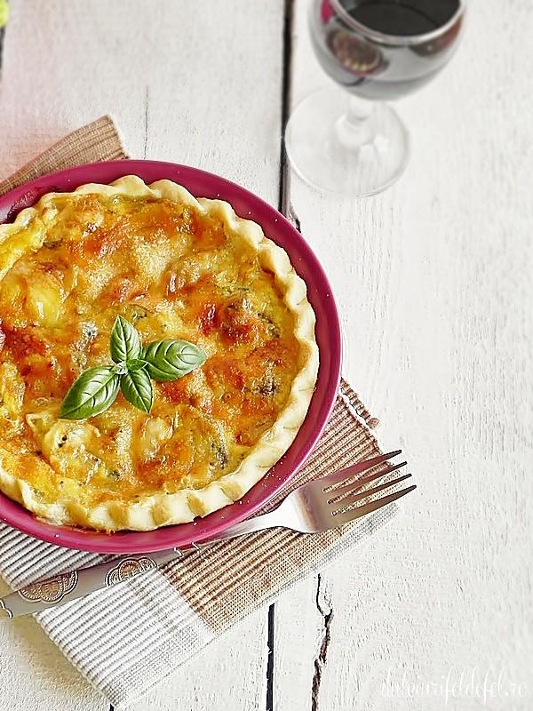 Tarta aperitiv cu ciuperci si branza