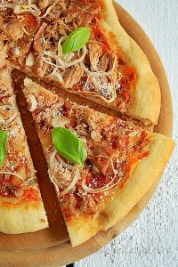 Pizza cu peste