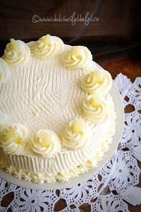Tort cu ananas caramelizat