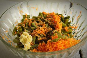 Salata de fasole pastai cu maioneza si usturoi