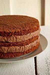 Asamblare tort de ciocolata
