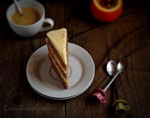 Tort simplu cu crema de portocale si blat cu ciocolata