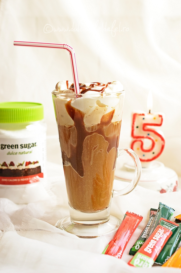Milkshake cu cafea si indulcitor natural