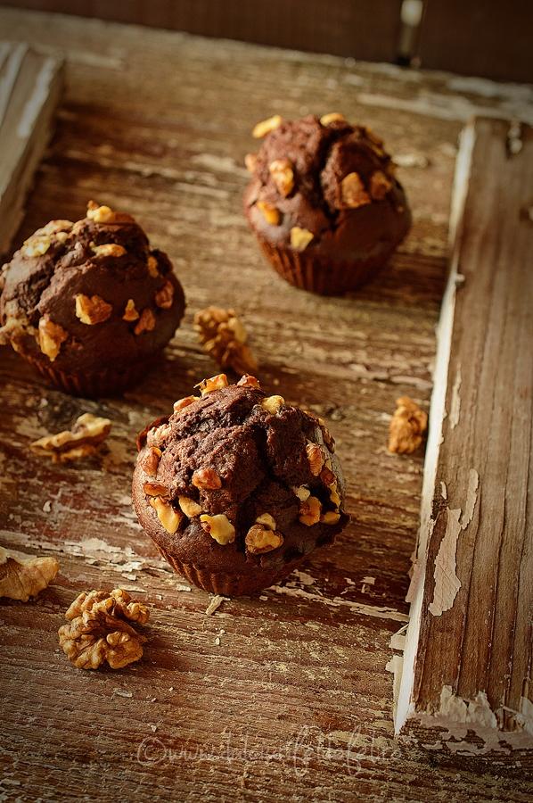 Briose (muffins) cu cacao si ciocolata alba