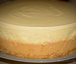 Tort de inghetata de caramel si vanilie