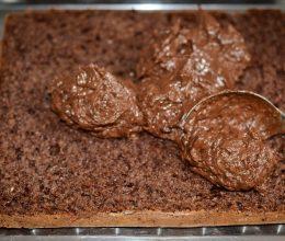 Prajitura cu cacao si crema de unt