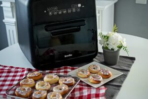 Gogosi pufoase la Breville Air Fryer, friteuza-cuptor cu aer cald
